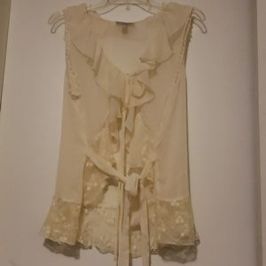 Very pretty vintage lace top
